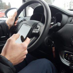 mobilni telefon vožnja