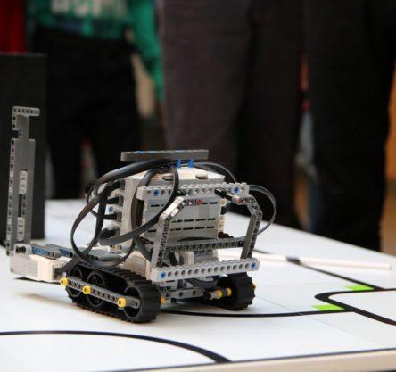 robotsko tekmovanje feri