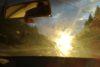 Sonce in madeži na vetrobranskem steklu lahko zaslepijo voznika.