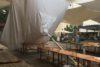 Zlomljen dežnik na osrednji mariborski tržnici.