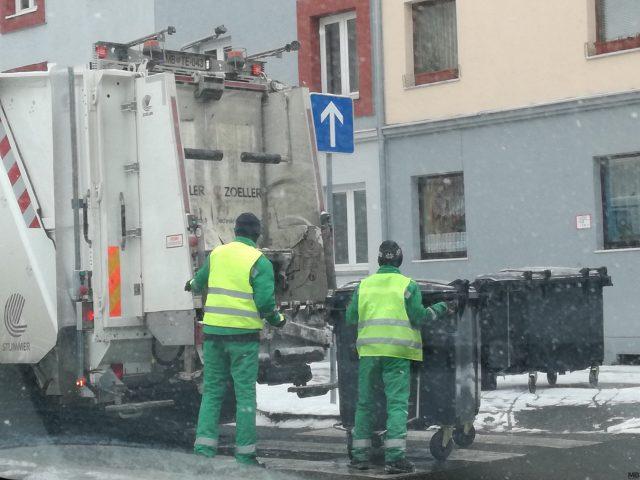Od maja letos se je odvoz smeti podražil za 38 odstotkov.