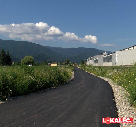 asfalt ruska pot