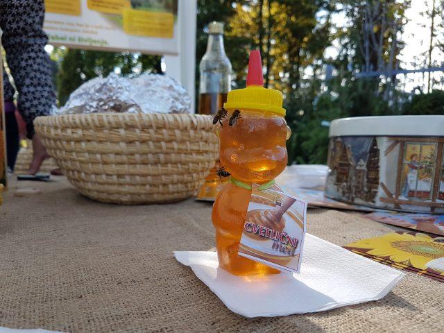Čebele in med