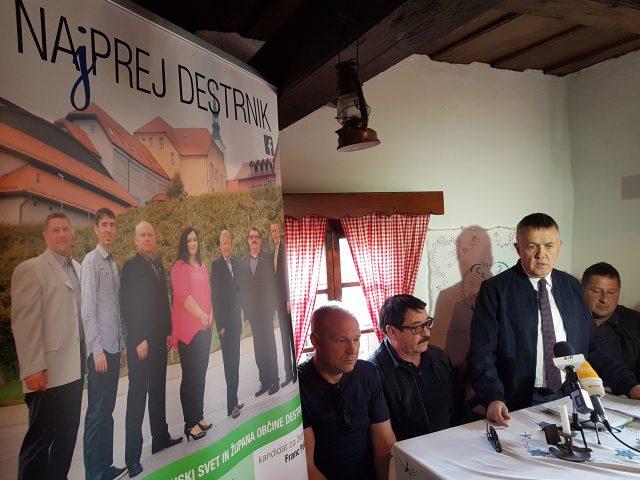Franc Pukšič in člani liste Na(j)prej Destrnik