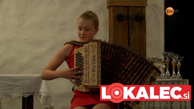 Ob koncu je nastopila tudi Danaja Grebenc, absolutna svetovna mladinska prvakinja v igranju na harmoniko.