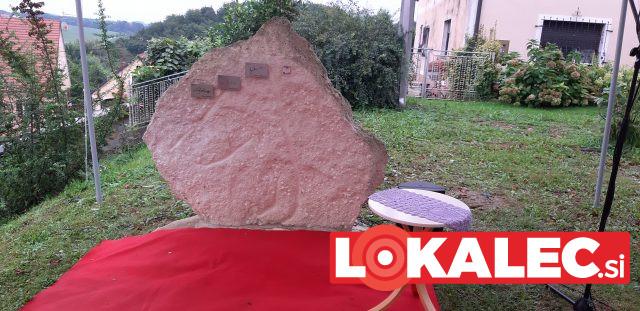 Knjižni kamen v Sveti Trojici
