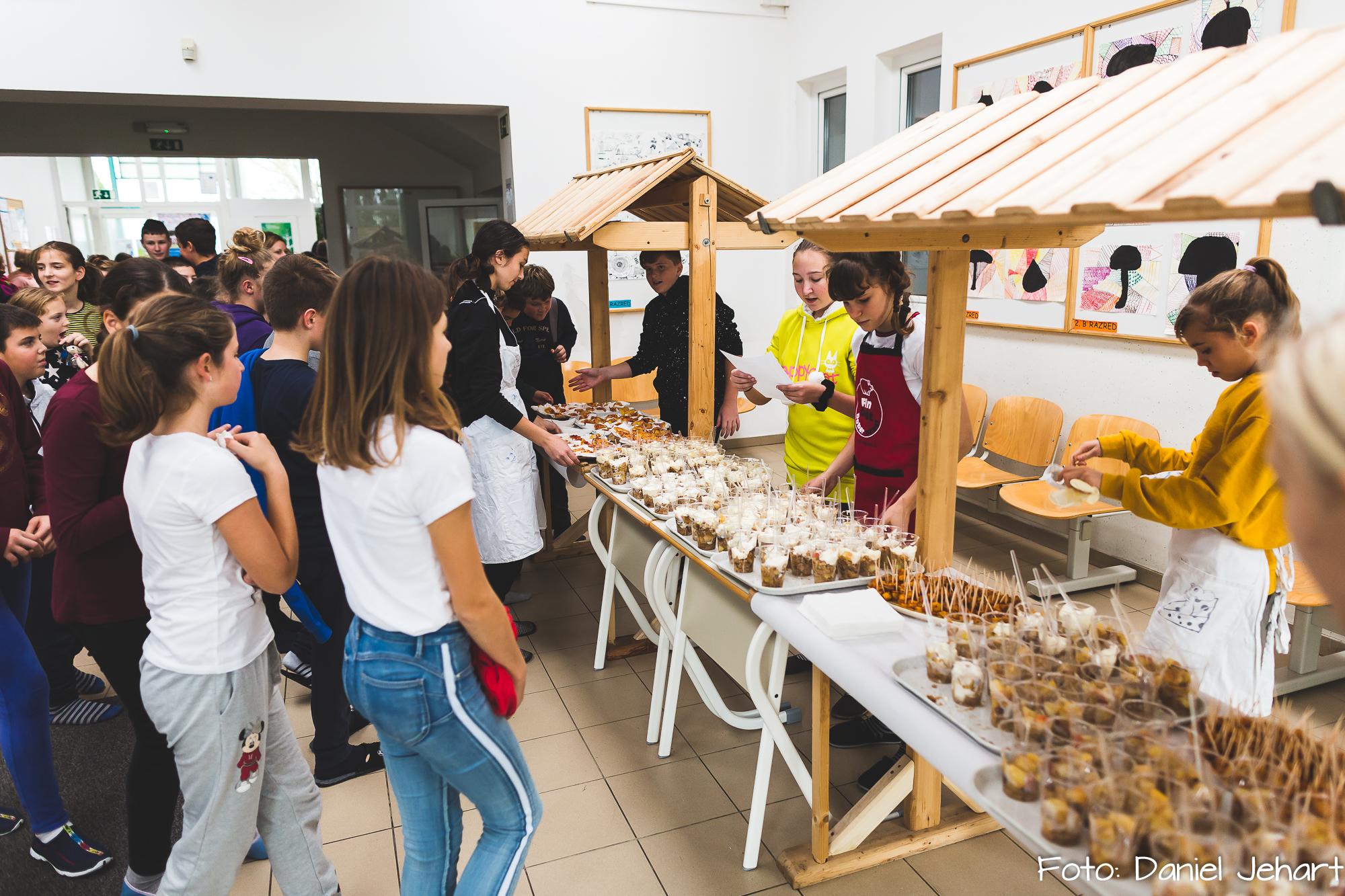 Degustacija zdravih jedi na OŠ Franca Lešnika Vuka Slivnica pri Mariboru; FOTO: Daniel Jehart