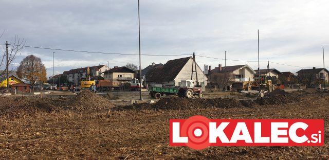Traktor na gradbišču (1)