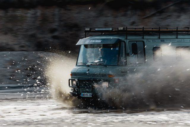 Mercedes-Benz 406d. Vir: Ekipa Seos Africa